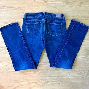 American Eagle Straight Leg Dati Wash Jeans
